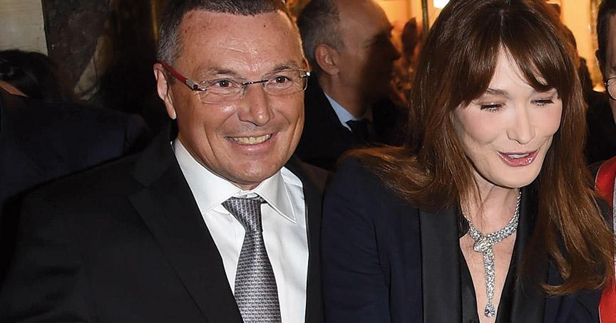 Kündigung en passant: Bulgari-Chef Jean-Christophe Babin (hier bei einer Shop-Eröffnung mit Carla Bruni) hat in einem Interview angekündigt, den Schmuck von Bulgari künftig nur noch in eigenen Boutiquen zu verkaufen.