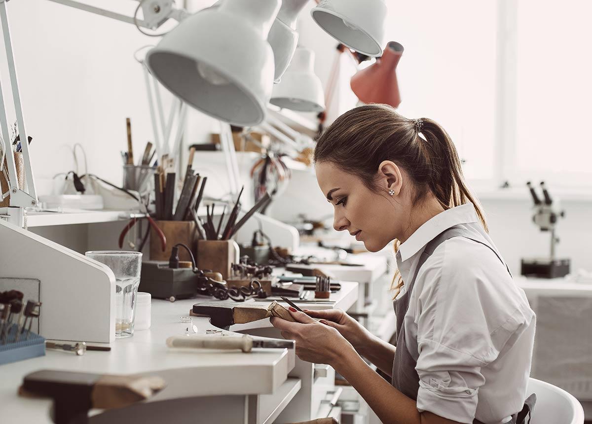 Service und Werkstatt sind immer gefragt. (Credit: Friends Stock / Shutterstock.com)