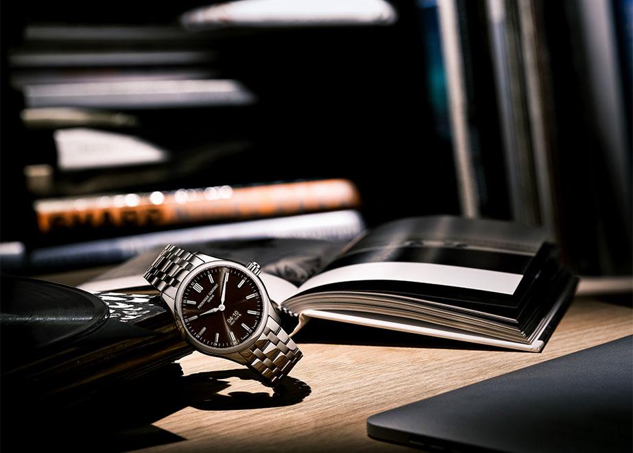 Die Vielseitigkeit der Uhr kommt in vier neuen Variationen zum Ausdruck.
