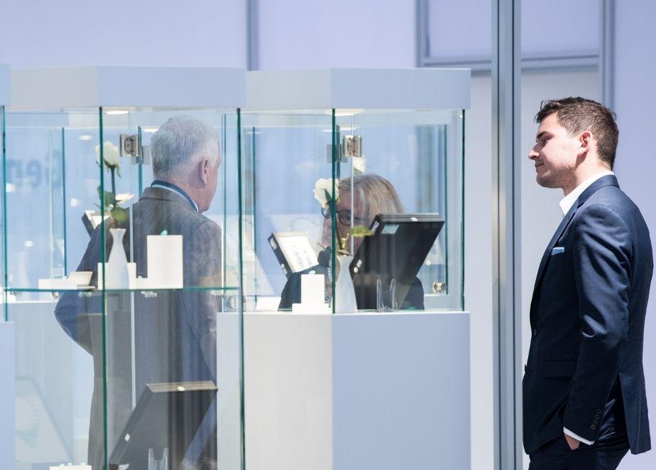 In persönlichen Gesprächen finden Hersteller und Händler kurzfristige und flexible individuelle Lösungen für die jeweiligen Bedürfnisse.