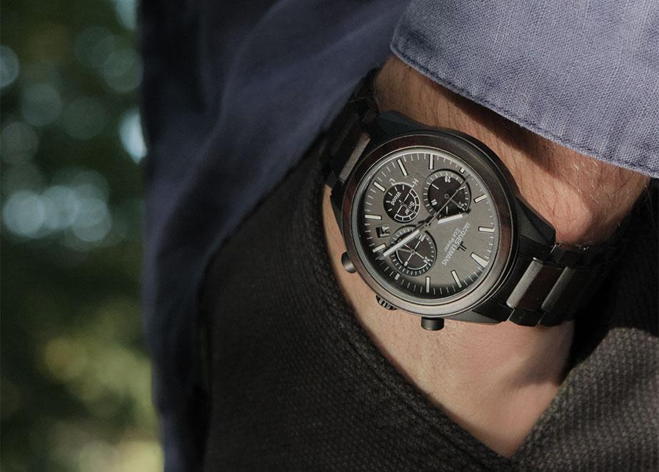 Die Eco Power – Solar Kollektion zeigt markante Uhren, die mit modernster Solartechnologie, ressourcenschonenden Materialien und klassischem Design punkten.