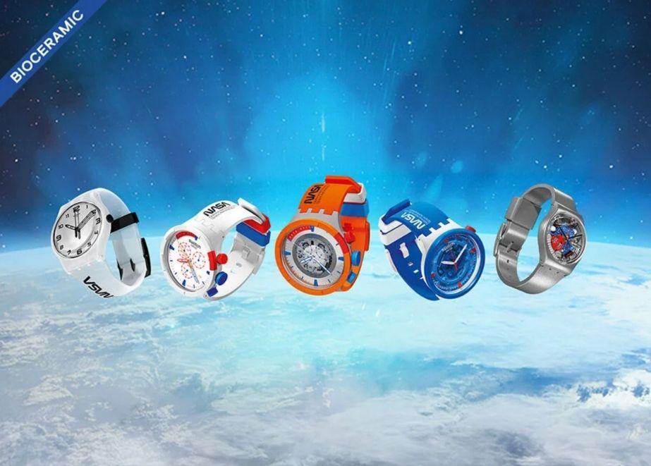 Swatch und die NASA im All: Drei der fünf neuen Modelle haben Komponenten aus biobasiertem Material und sind von Astronauten-Anzügen angeregt.